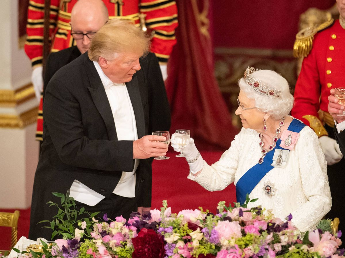 Foto:  Donald Trump e Isabel II. (Getty)