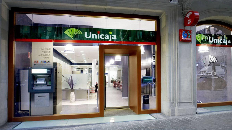 Unicaja Banco provisiona 230 millones para recortar costes los próximos tres años
