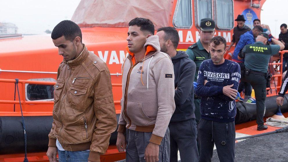 El Parlamento andaluz pide un pacto estatal en inmigración