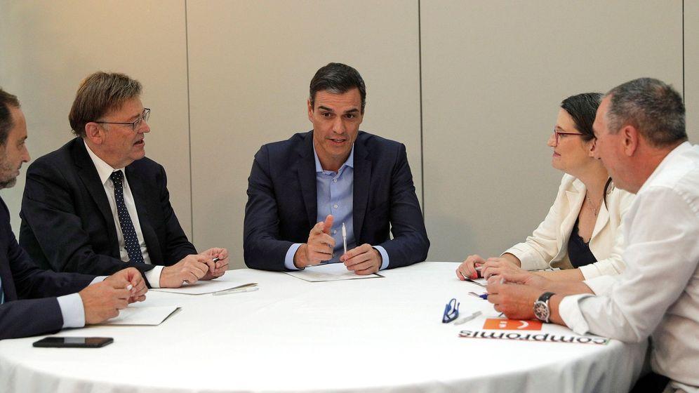 Foto: Pedro Sánchez se reúne en Valencia con Mónica Oltra y Joan Baldoví, de Compromís.