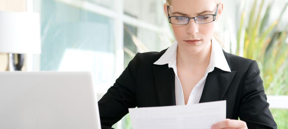 Foto: El currículum debe estar adaptado para facilitar la lectura y despertar el interés del encargado de personal. (iStock)