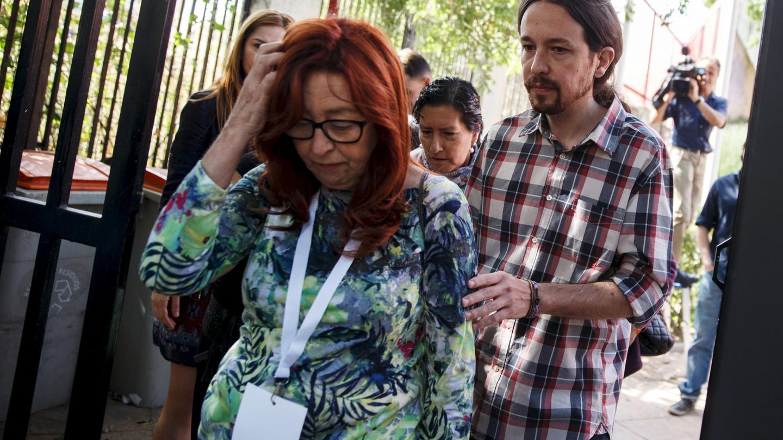 Pablo Iglesias, con su madre en 2015.(Reuters)