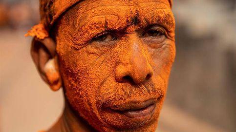 Celebración del Bisket Jatra en Nepal y la nueva novela de Hervé Le Tellier: el día en fotos