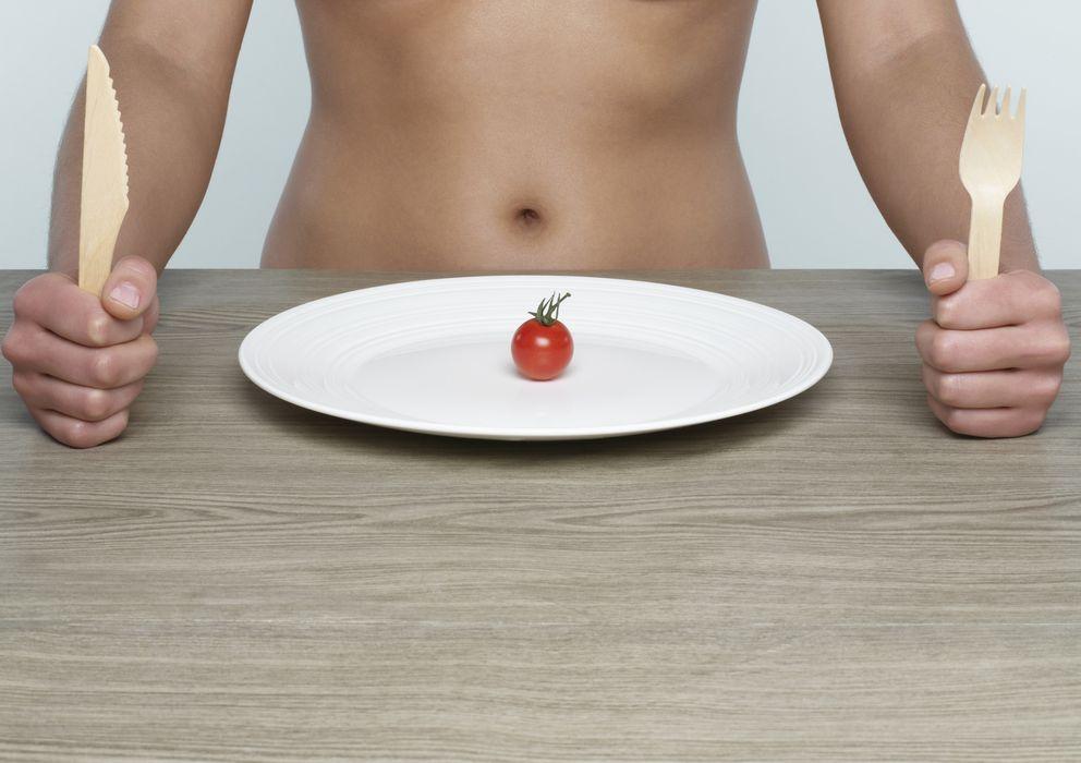 Foto: Al limitar la ingesta de alimentos, aumenta el uso de nutrientes de reserva en las células. (Corbis)