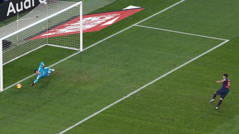 El penalti de Luis Suárez. (Reuters)