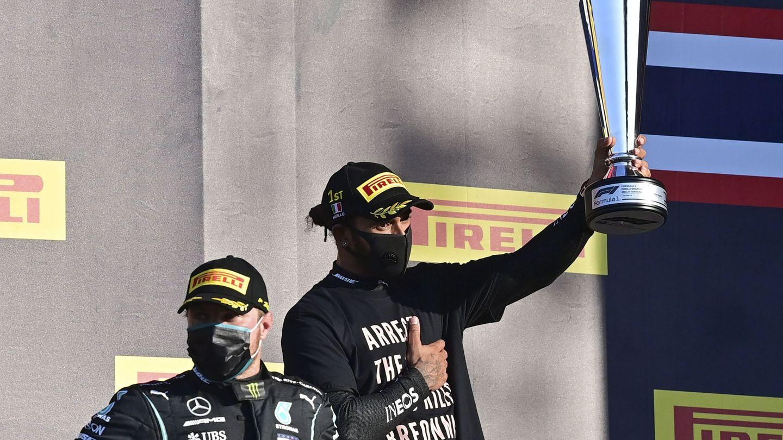 Lewis Hamilton, en el podio del Gp de la Toscana (EFE)