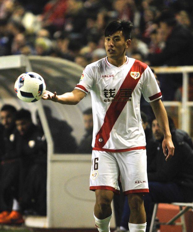 Foto: Zhang Chendong en el estadio de Vallecas.