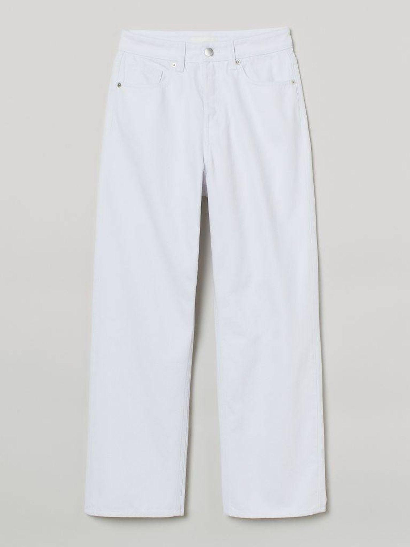 Los nuevos jeans blancos de HyM. (Cortesía)