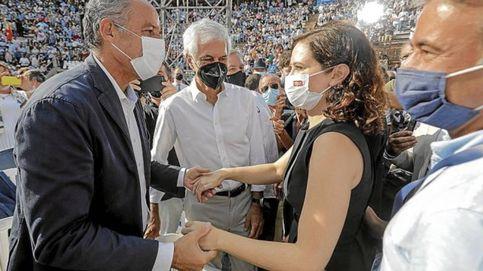 Camps regresa a la vida civil: un ojo en la Audiencia, carnet de abogado y paz con el PP