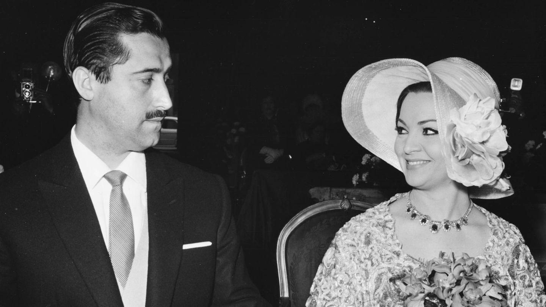 Sara Montiel y su marido José Vicente Ramírez, en una imagen de 1964. (Getty)