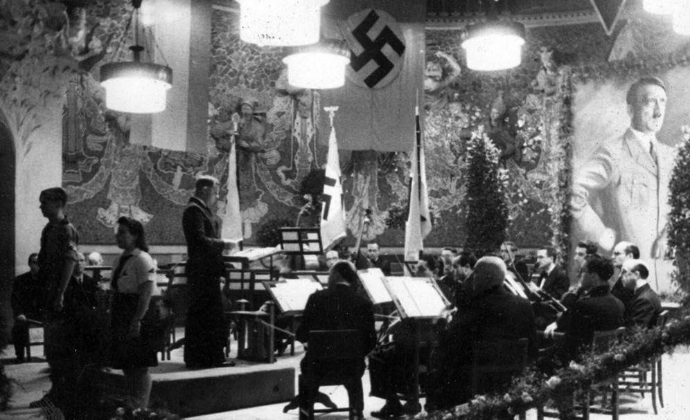 Foto: Palau de la Musica de Barcelona el 10 de noviembre de 1943 durante la celebración del cumpleaños de Hitler