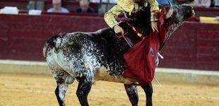 Post de Grave cornada a Alejandro Mora en el inicio de la Feria del Pilar