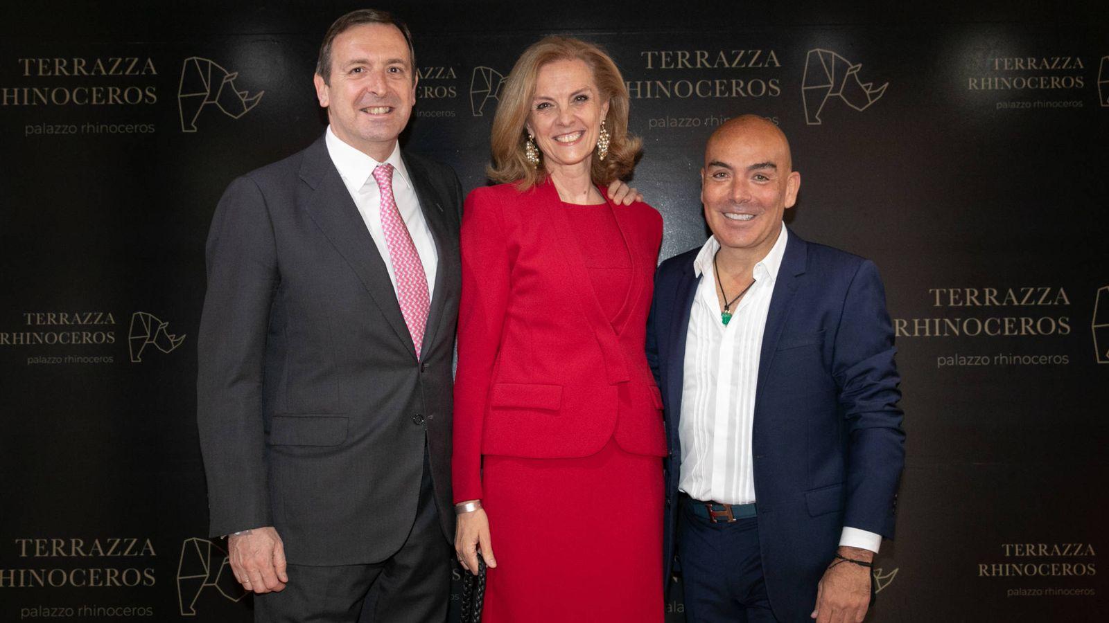 Foto:  Kike Sarasola, con el cónsul de España en Italia.