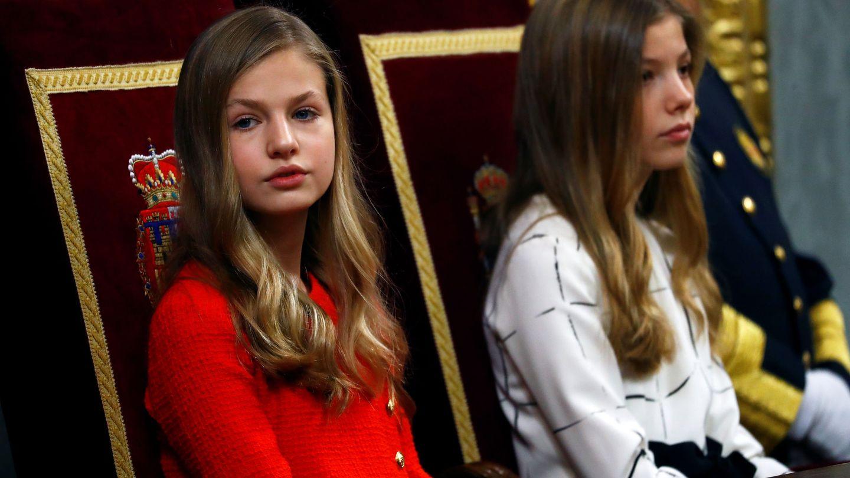 Leonor y Sofía, el pasado febrero. (Reuters)