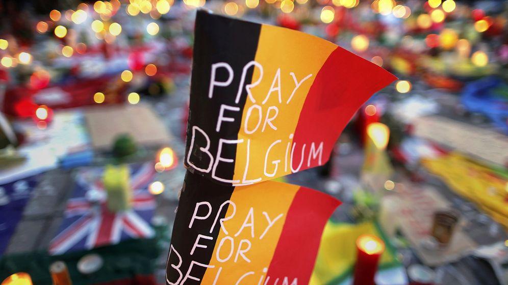 Foto: Homenaje a las víctimas de los atentados yihadistas en Bruselas. (Reuters)