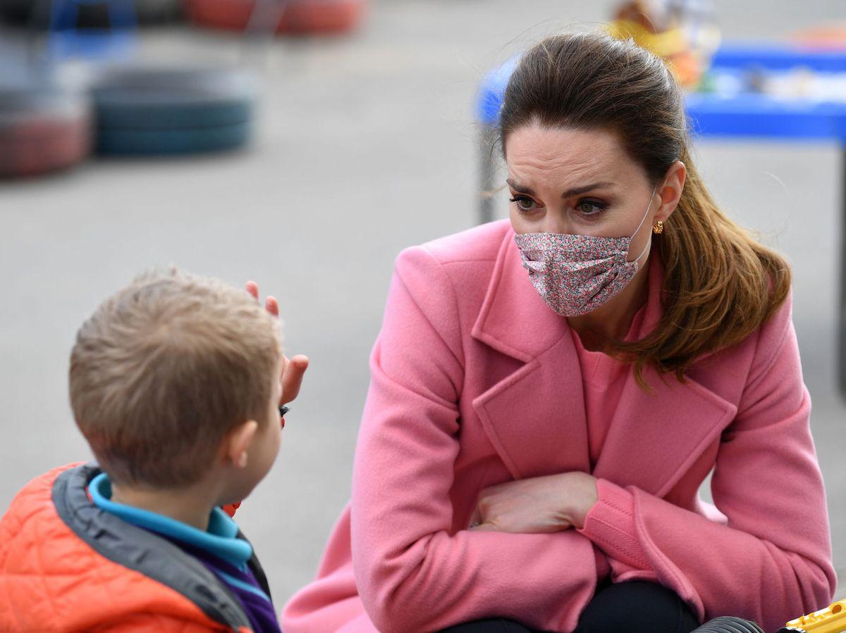 Foto: Kate Middleton, con abrigo rosa de Max&Co. (Reuters)