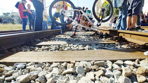 Los CDR cortan carreteras y vías de tren y se enfrentan con los constitucionalistas