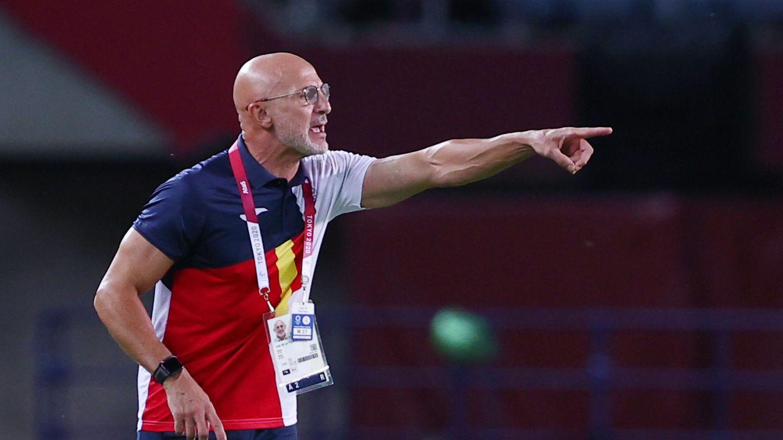 Luis de la Fuente, dando indicaciones durante los cuartos de final. (Reuters)