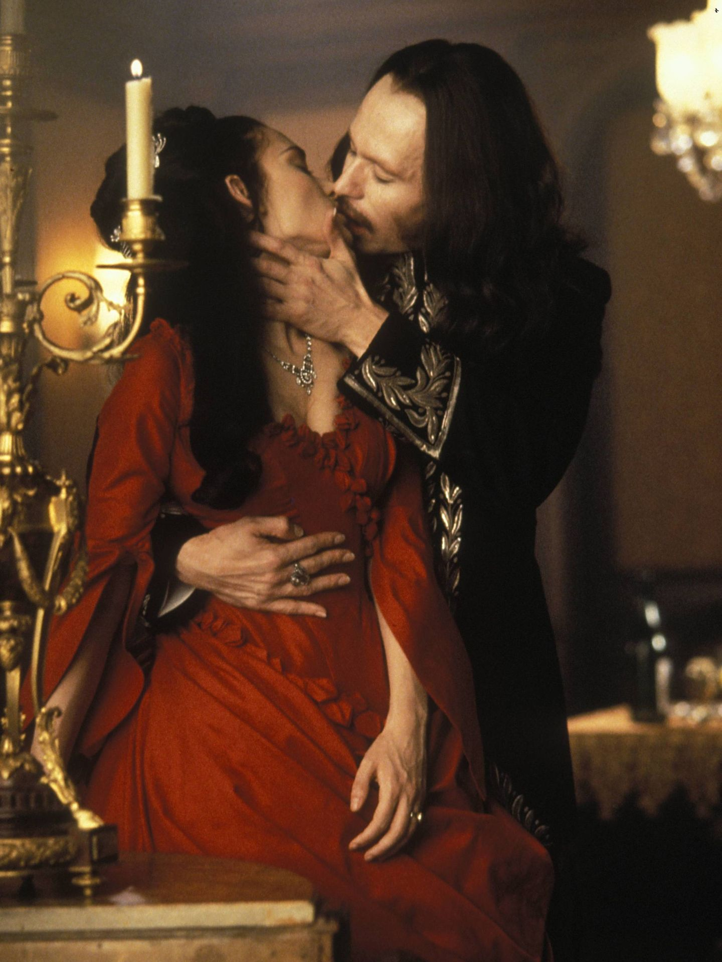 Winona Ryder y Gary Oldman, en 'Drácula, de Bram Stoker'. (CP)