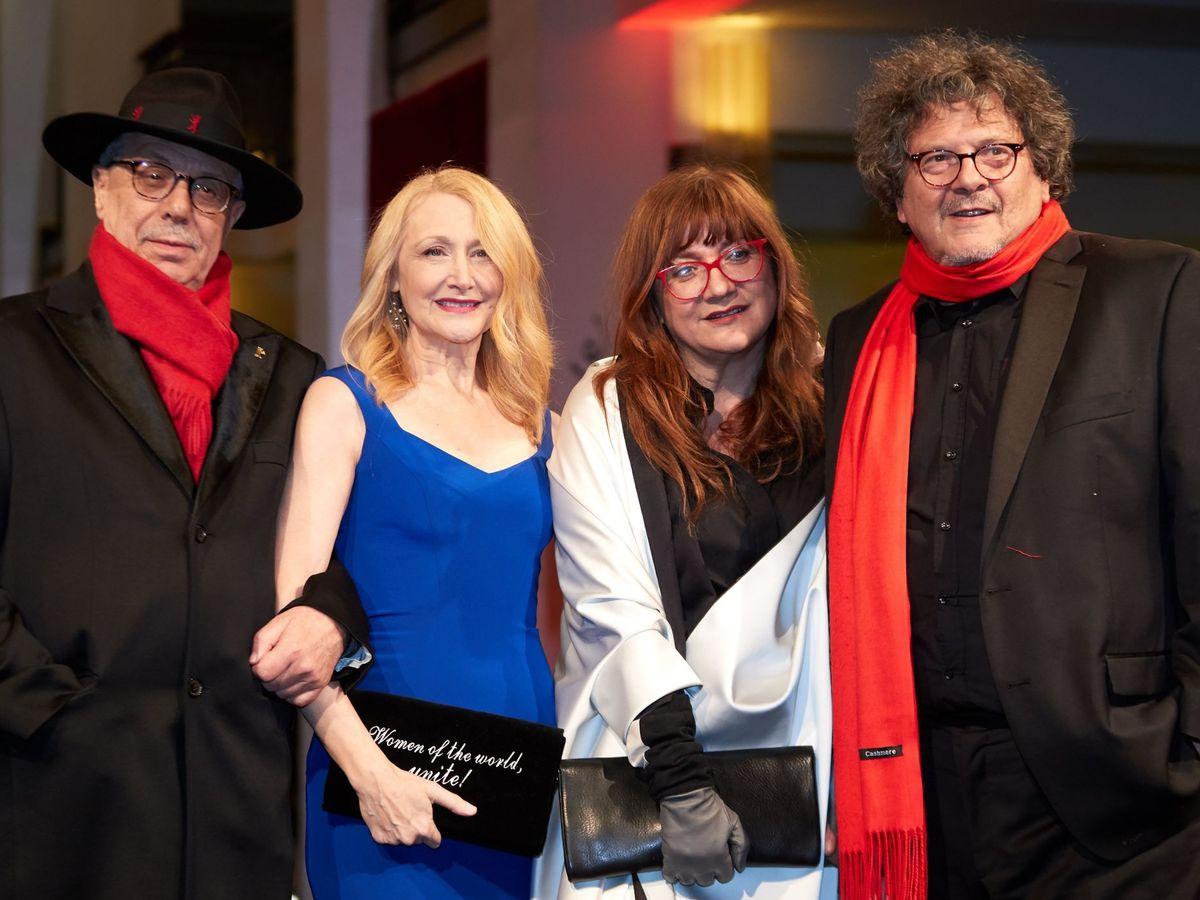 Foto: El director Dieter Kosslick, la actriz Patricia Clarkson, Isabel Coixet y su pareja, Reed Brody. (EFE)