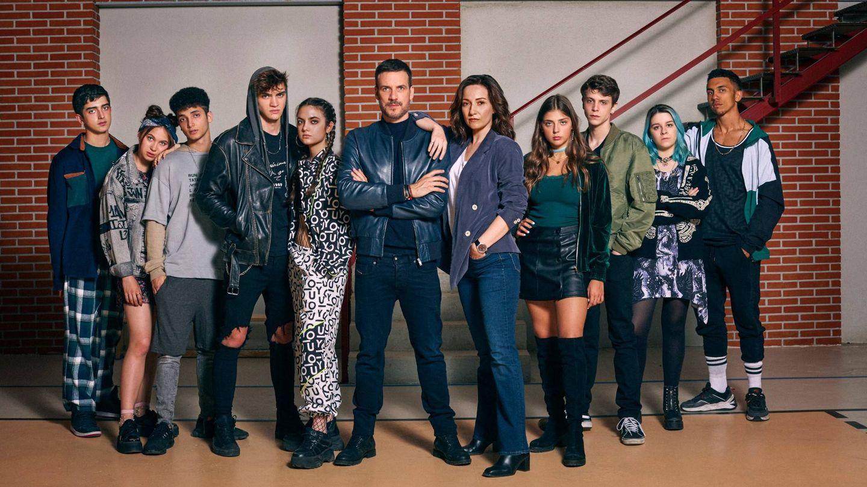 El reparto de 'HIT', encabezado por Daniel Grao, que refleja la vida de un instituto lleno de conflictos. (Cortesía HIT)