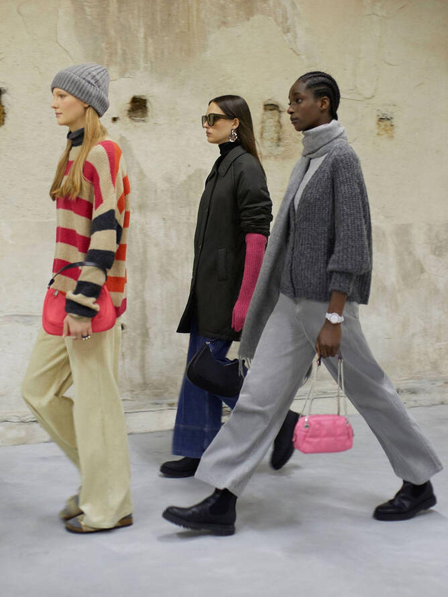 Jersey, bolso y guantes rosa de Parfois. (Cortesía)