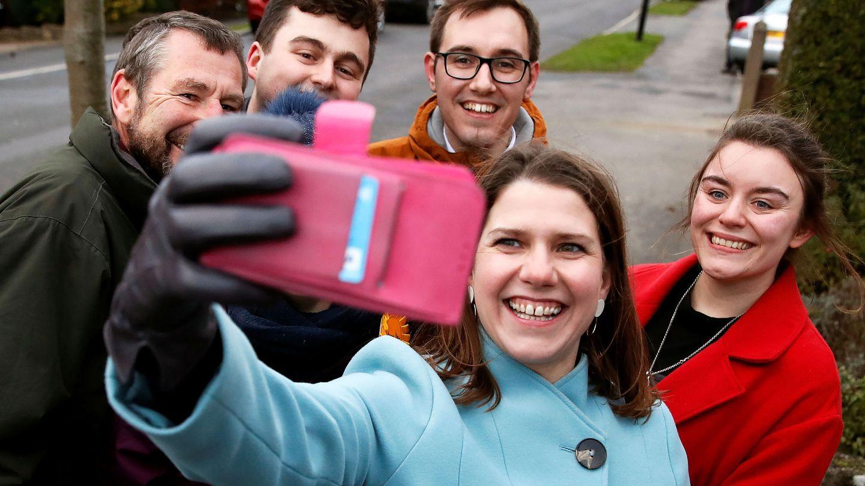 La líder de los Liberal Demócratas Jo Swinson en campaña. (Reuters)