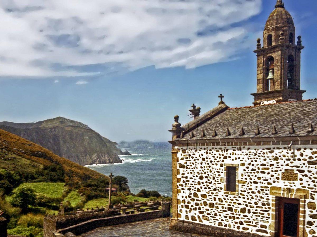 Foto: Iglesia de San Andrés de Teixido situada en el ayuntamiento de Cedeira, en A Coruña. (Jim Anzalone)