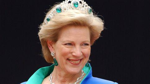 Ana María sopla 70 velas: así es la reina que se 'comprometió' con 13 años