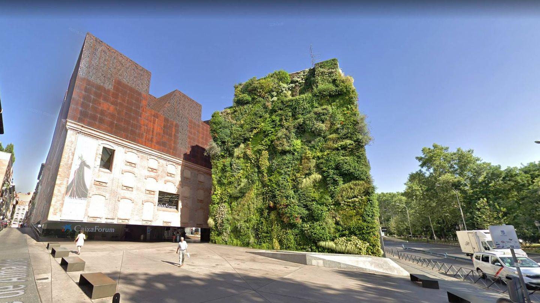 Fachada del Caixaforum y su jardín vertical. (Google)