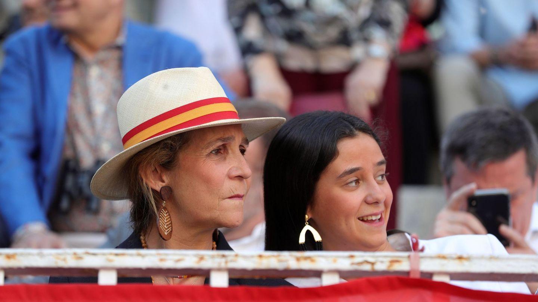 La infanta Elena y su hija Victoria en una imagen reciente. (EFE)