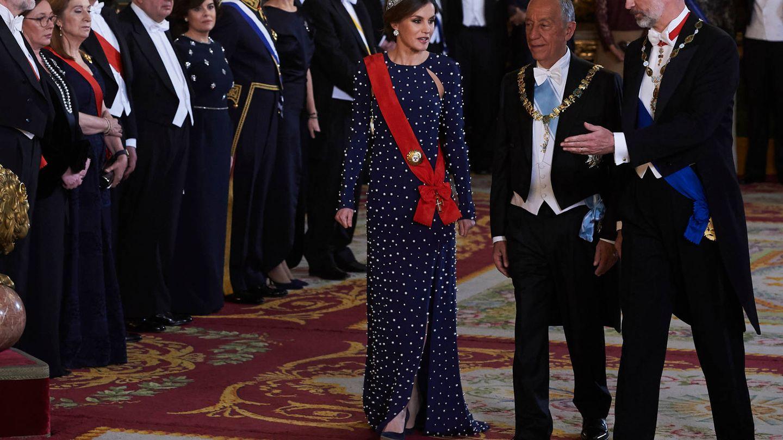Los Reyes con el presidente portugués. (Limited Pictures)