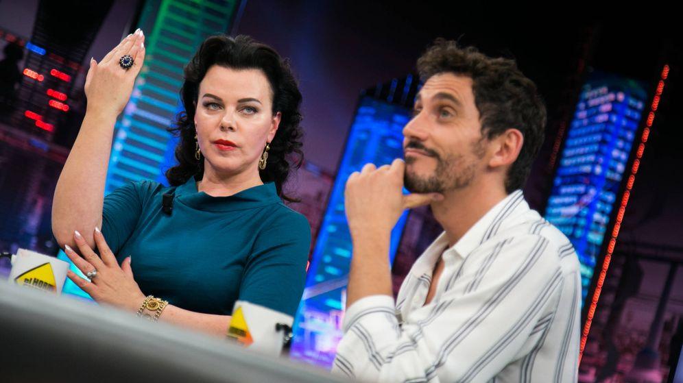 Foto: Debi Mazar y Paco León en 'El Hormiguero'. (7yAcción)