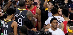 Post de El detallazo de los Warriors: felicitan a los Raptors con una página en un periódico