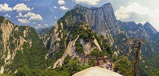 Post de  Así es la 'Garganta de los 100 escalones', el camino más peligroso del mundo