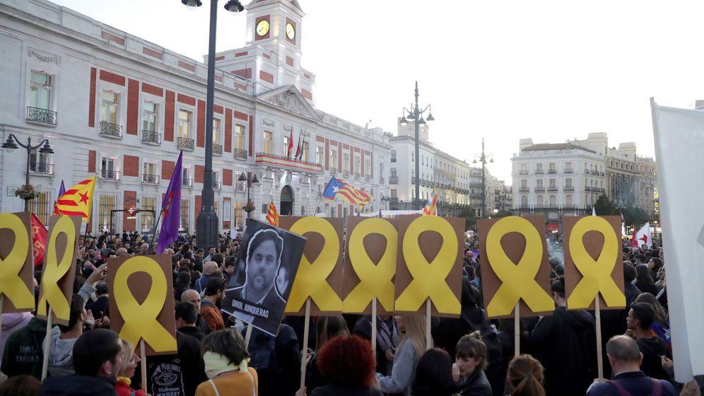 Foto: Concentración soberanista en la Puerta del Sol, en Madrid. (EFE)