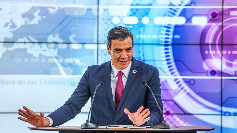 El presidente del Gobierno, Pedro Sánchez, habla a los medios de comunicación en el campus de la compañía HP, en Palo Alto (EEUU). (EFE)