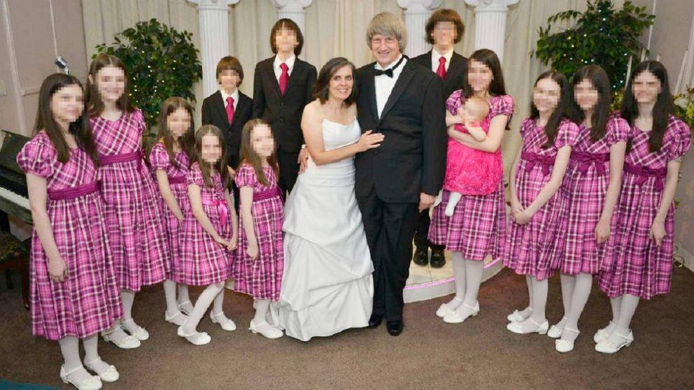 Detienen a una pareja en California por encadenar y torturar a sus 13 hijos