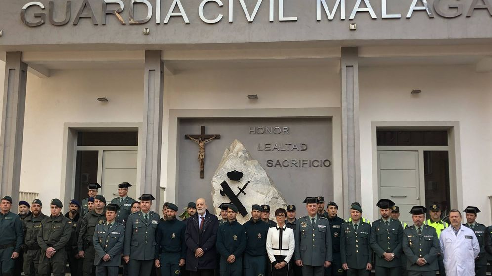 Foto: El director de la Guardia Civil, junto a parte del dispositivo de rescate de Julen. (A. Rivera)