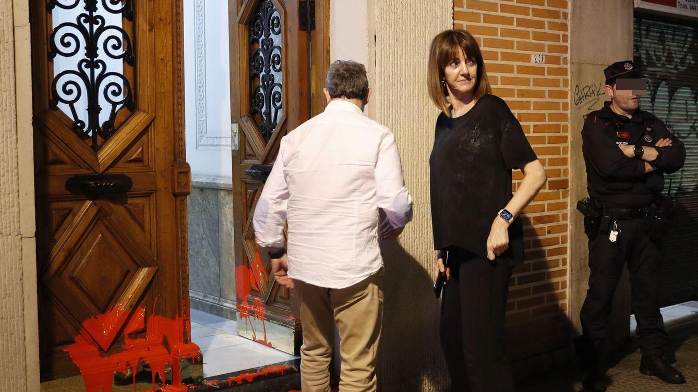 Bildu no condena la creciente campaña de acoso radical tras la convocatoria electoral