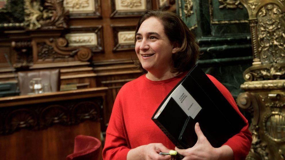 Colau ve lógico que quien opte a presidir la Generalitat debe estar en Cataluña