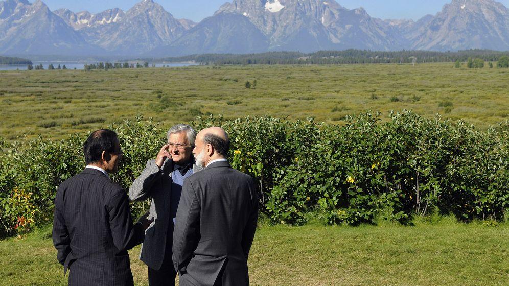 Foto: Jackson Hole, cuando Jean-Claude Trichet (centro) era presidente del Banco Central Europeo, junto con Masaaki Shirakawa (izquierda) al frente del Banco de Japón y Ben Bernanke liderando la Reserva Federal. (Reuters)