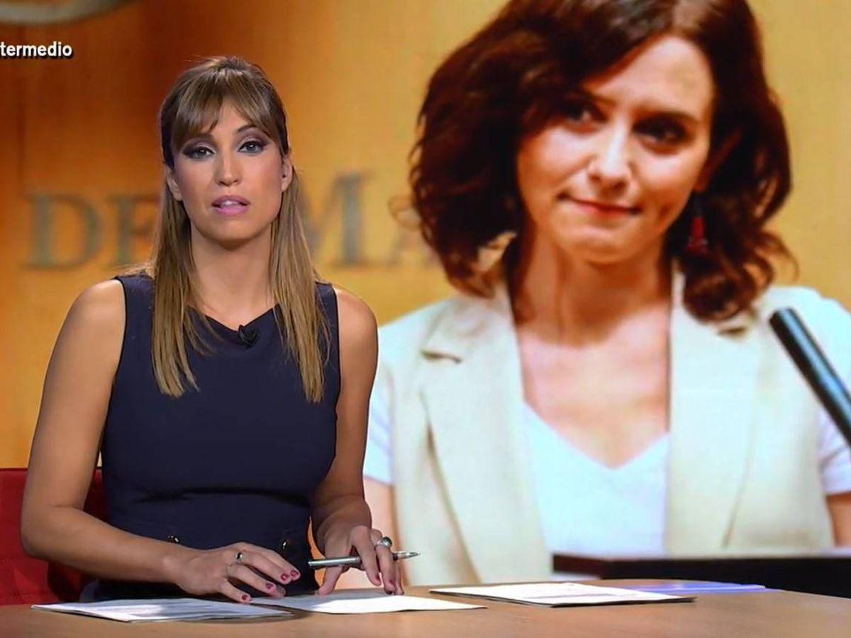 Foto: Sandra Sabatés, repasando las declaraciones de Isabel Díaz Ayuso. (Atresmedia)