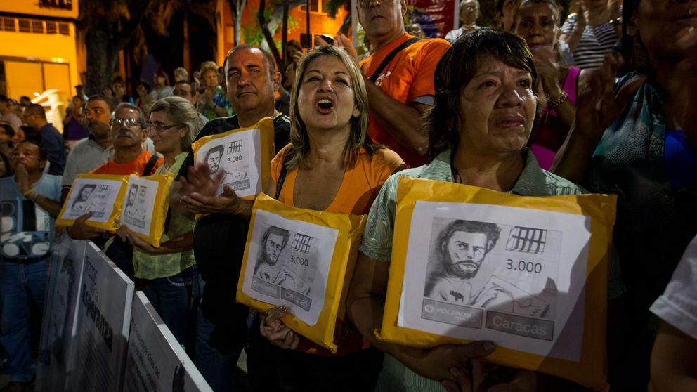 Referendo y piedras en Venezuela: oposición y chavismo suben la apuesta