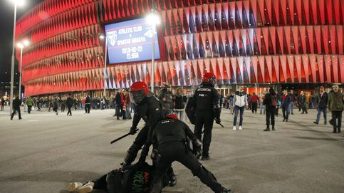 Un agente muerto, puñaladas por la espalda, fracturas nasales... Jueves negro en Bilbao