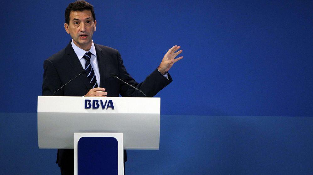 Foto: El economista jefe de Economías Desarrolladas de BBVA Research, Rafael Doménech, durante la presentación en rueda de prensa de un informe. (EFE)