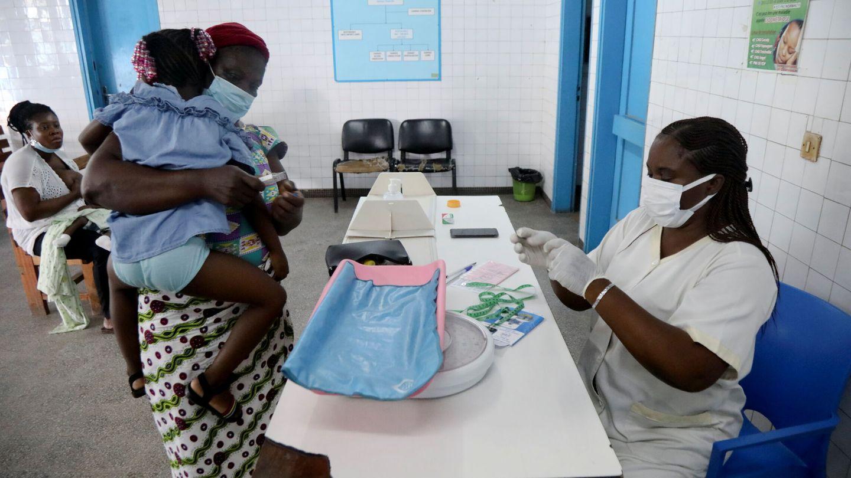 Vacunación contra la malaria. (Foto: Reuters)