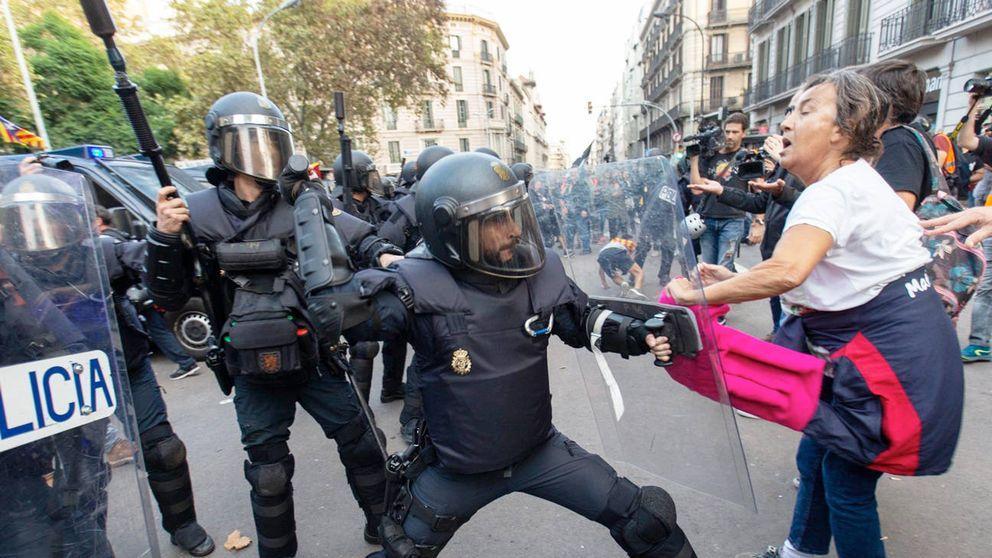 """Manual antisistema para Barcelona: """"Decid siempre que ha sido brutalidad policial"""""""