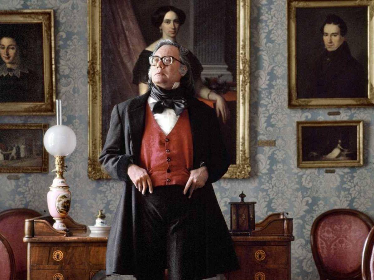 Foto: Francisco Umbral en 'Anatomía de un dandy', de Alberto Ortega y Charlie Arnaiz. (Malvalanda)