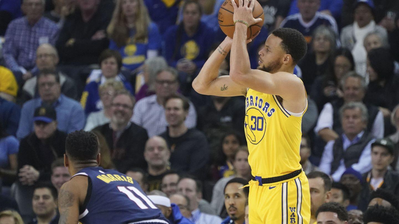 Stephen Curry tiene el récord de más triples en una temporada de la NBA: 402. (USA TODAY Sports)